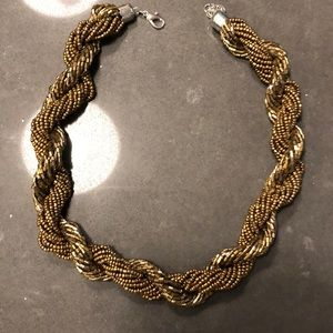 Jewelry - Chunky, gold chain necklace